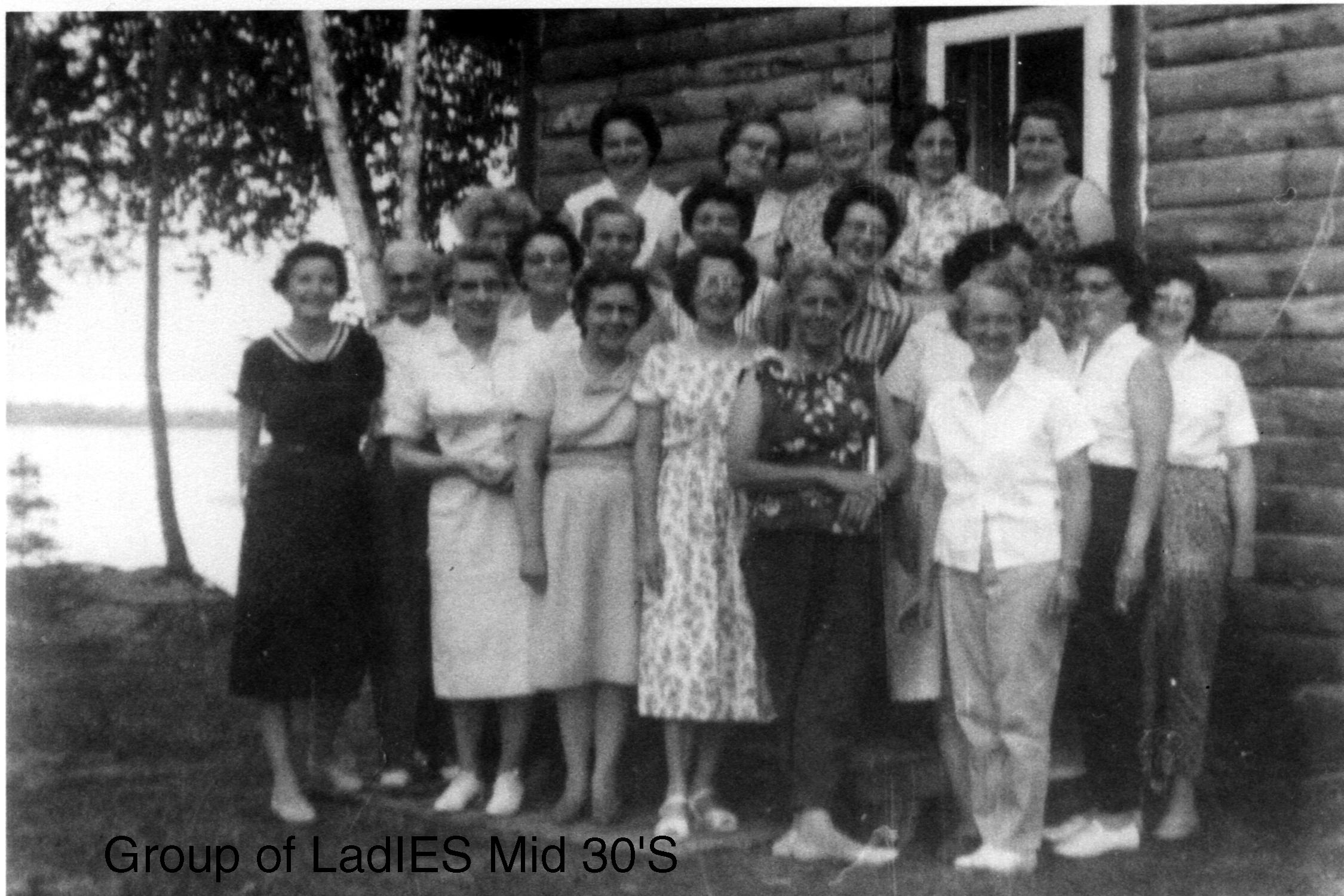 group_of_ladies_1003